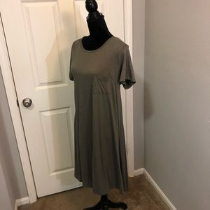 Lularoe - Medium Carly